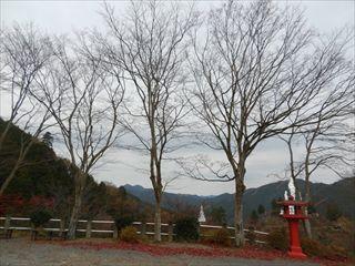 玄奘三蔵塔前1_R.JPG